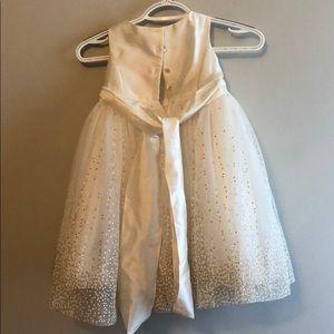 David's Bridal Dresses - David's bridal flower girl dress 2T
